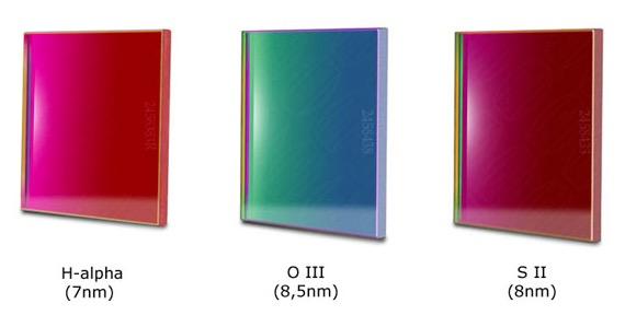 Set Filtri Banda Stretta da 50x50mm per CCD, composto da 3 filtri : H-alpha (banda 7nm), O III (banda 8.5nm), S-II (banda 8nm) da 50.4mm non montati in cella. spessore vetro 3mm