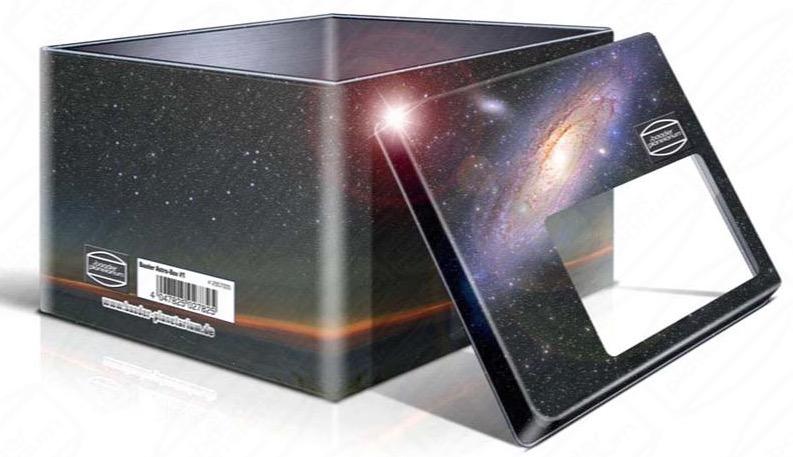 Astro-Box  si tratta di una scatola a tema di astronomia fatta di gomma piuma imbottita. Perfetta per il trasporto e la conservazione di tutti i vostri piccoli strumenti