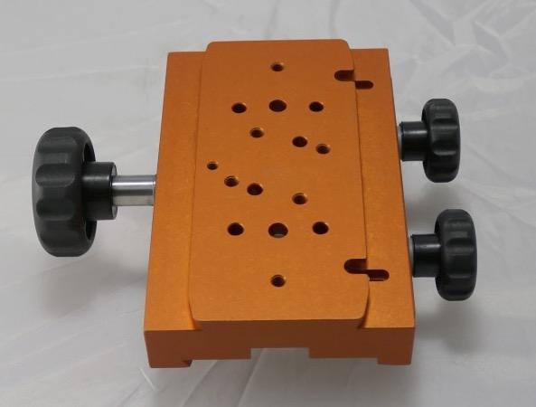 Morsetto con cremagliera GK-8 di colore arancione