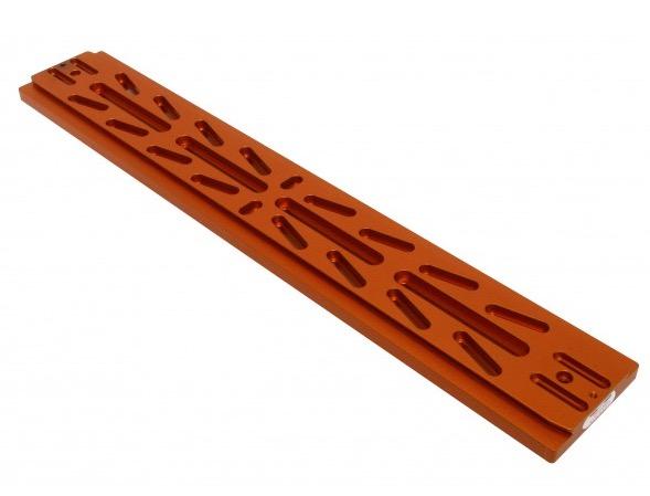 Slitta coda di rondine tipo Losmandy 610 mm con asole e bolla di livello di colore arancione