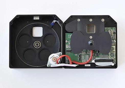 Camera Moravian CCD modello G2-8300FW Monocromaticada 8 Mpx (3358 x 2536)con ruota portafiltri da 5 posizioni per filtri da 31,8mm