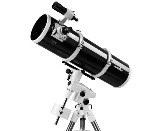 Telescopio Skywatcher Newton Black Diamond 200/1000 EQ5 con predisposizione per motororizzazione doppio asse