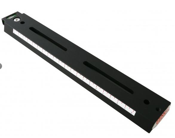 Barra a coda di rondine Vixen 250mm con asola e bolla di livello di colore nero