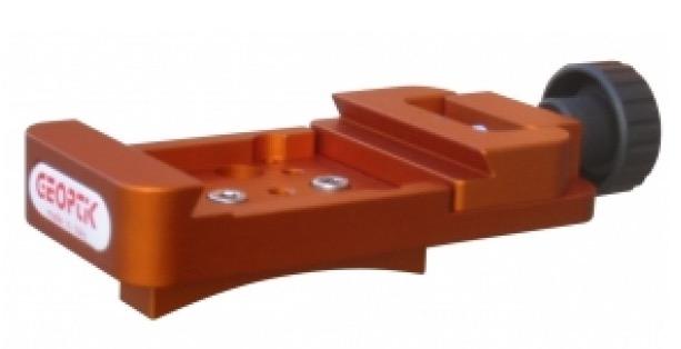 Morsetto tipo Losmandy con sistema di blocco a lardone con basetta curva per C8 e C9,25