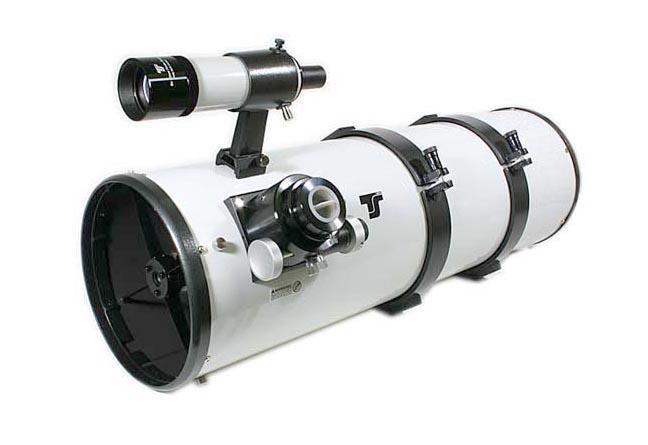 Telescopio Gso Newton 200/1000 su montatura equatoriale EQ5 Synscan e coppia dioculari SuperPlossl/Barlow di ALTA QUALITÀ
